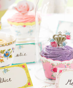 CAKE WRAPS & TOPPERS