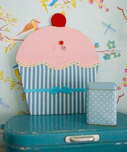 MAGNETTAVLA cupcake